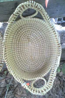 ONE LOOP LARGE BREAD BASKET WITH A TWIST
