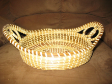 TWO HANDLED BREAD BASKET WITH TWO LOOPS