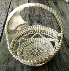 CROSSHANDLE SWEETGRASS BASKET WITH OPEN SIDES
