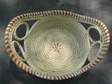 ROUND BREAD BASKET WITH TWO LOOPS
