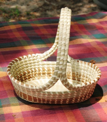 OVAL CROSSHANDLE SWEETGRASS BASKET